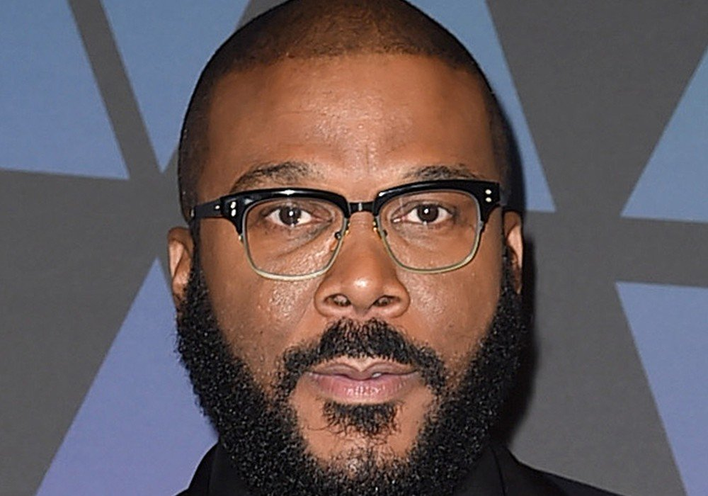 Tyler Perry Donates 1,000 Gift Cards For Community Outreach Project With The Atlanta Police Department