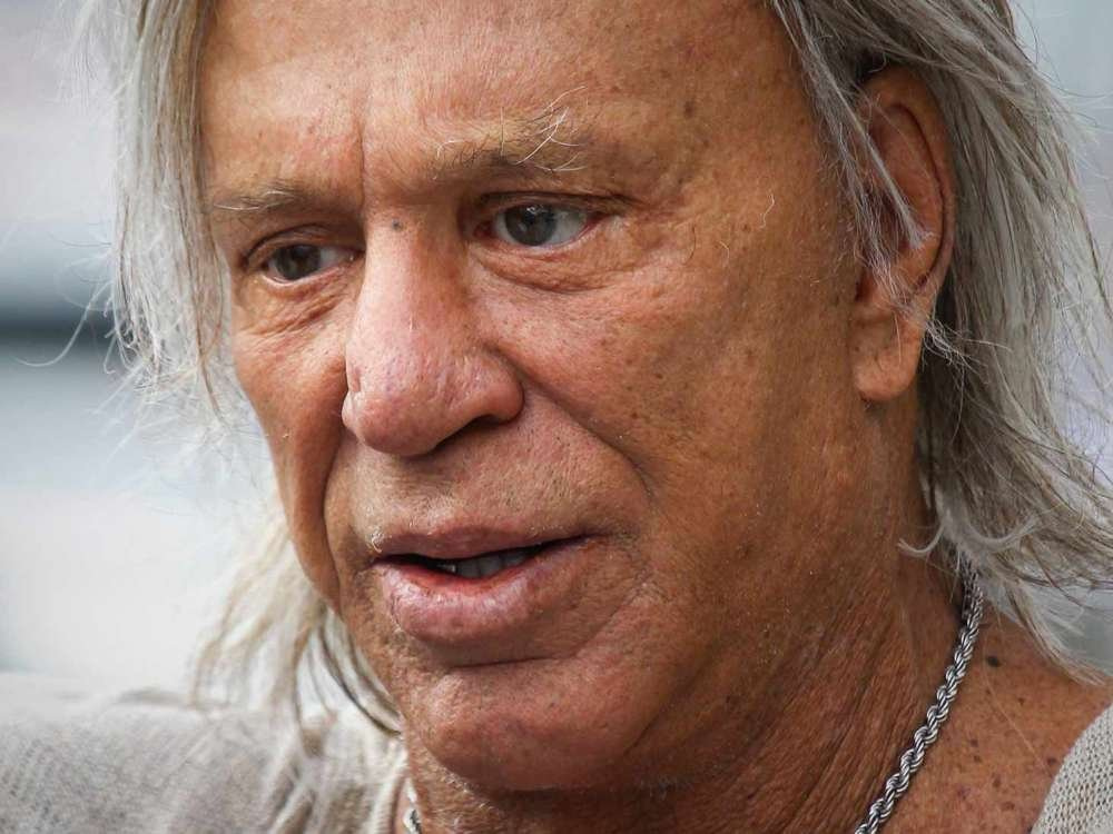 Mickey Rourke Slams Robert De Niro In Instagram Post