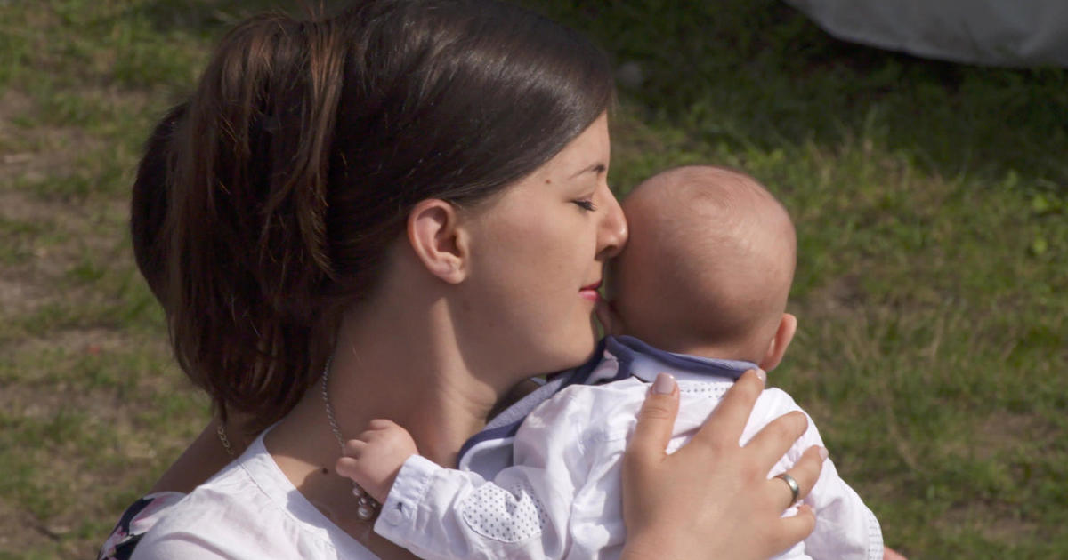 Hungary paying citizens to have babies