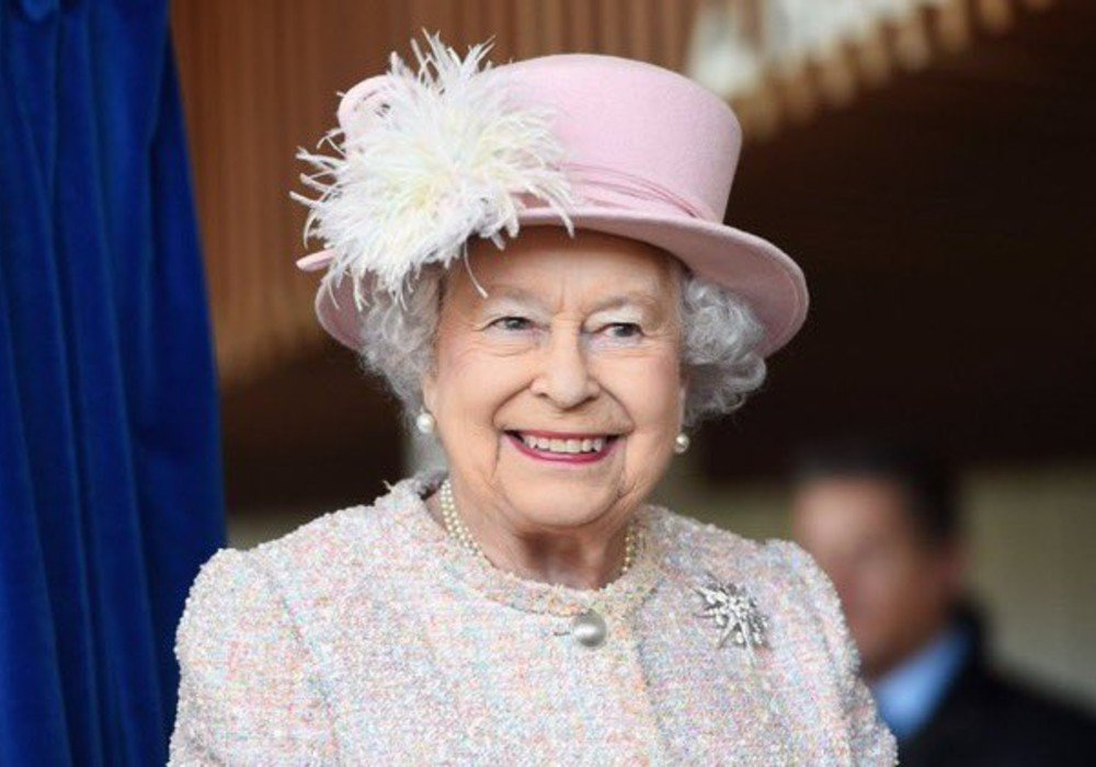 Queen Elizabeth's First Face-To-Face Duty Since Lockdown Is A Knighthood Ceremony For This Popular Brit