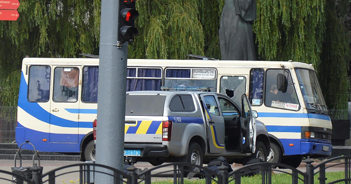 Armed man takes bus full of hostages in Ukraine
