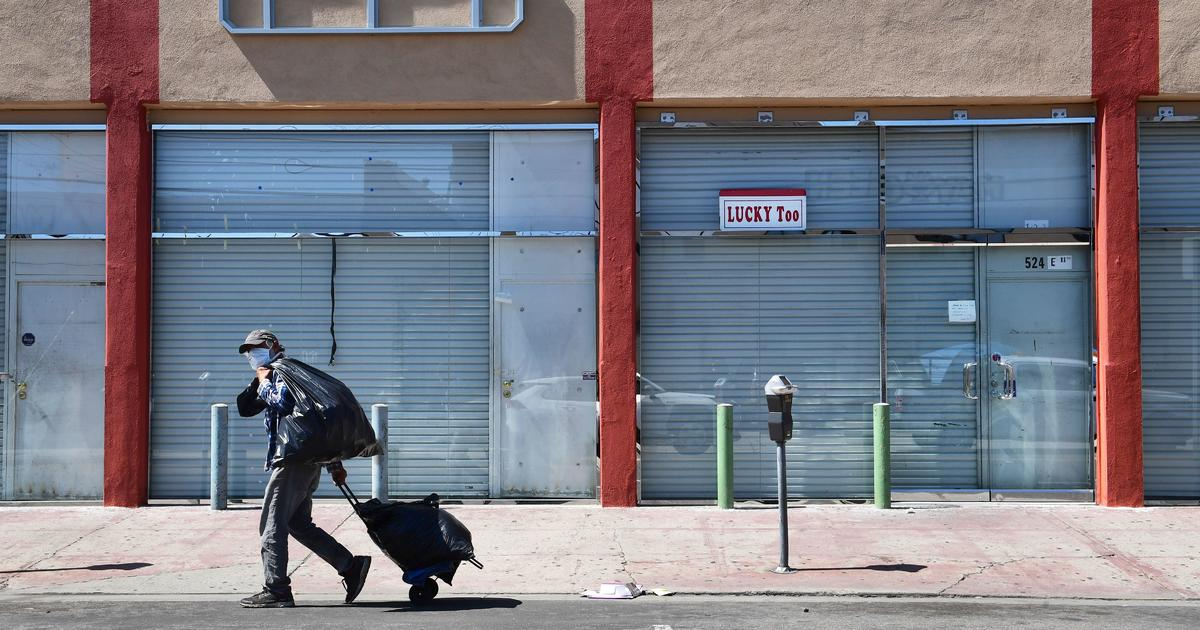 Fewer Americans filing for unemployment aid