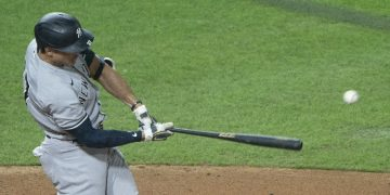 Yankees put Giancarlo Stanton on IL, recall Thairo Estrada