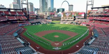Reports: Cardinals won't play Pirates on Monday