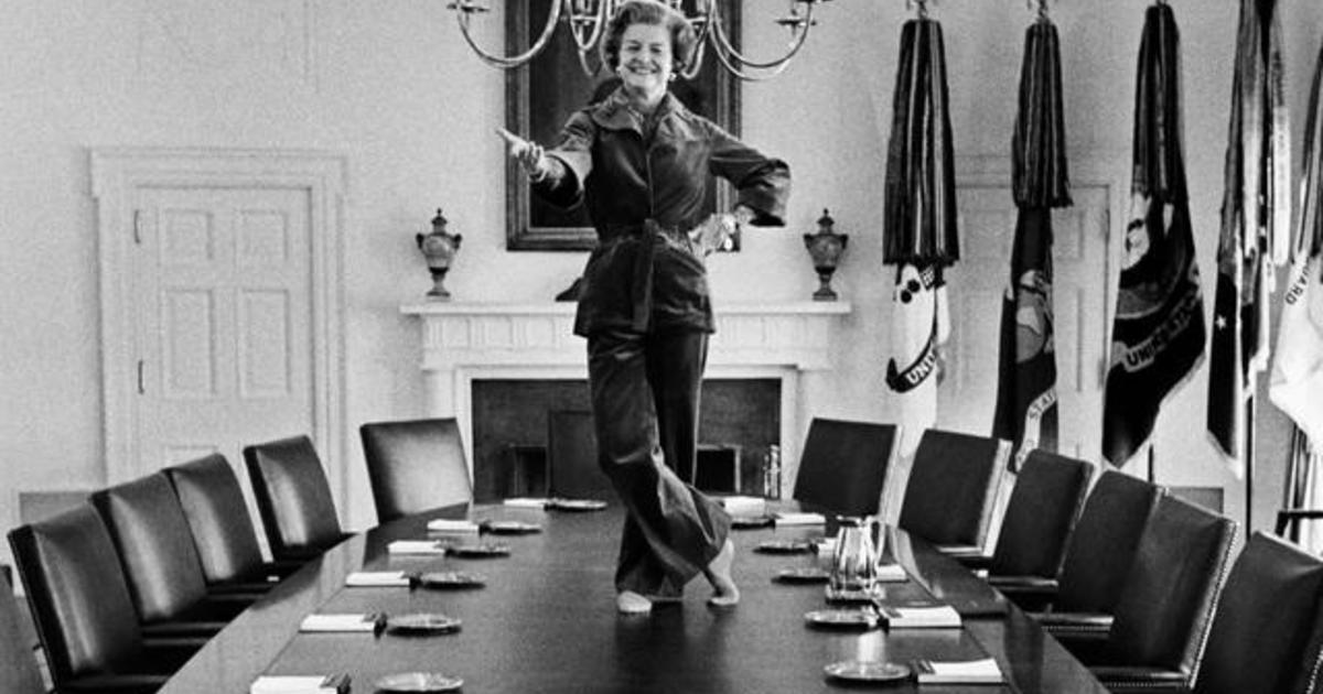 The story behind an iconic Betty Ford photo