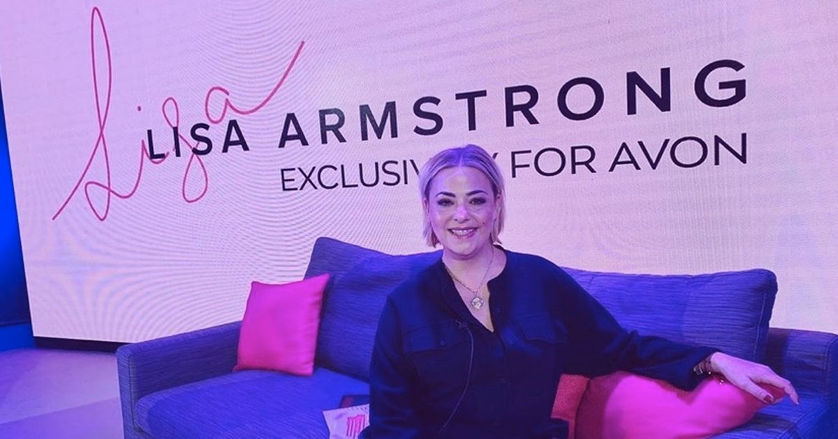 Lisa Armstrong puts on glam display after dumping Ant McPartlin's stuff outside