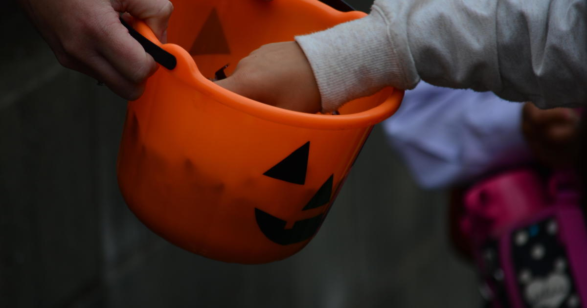 L.A. County warns against trick-or-treating during pandemic