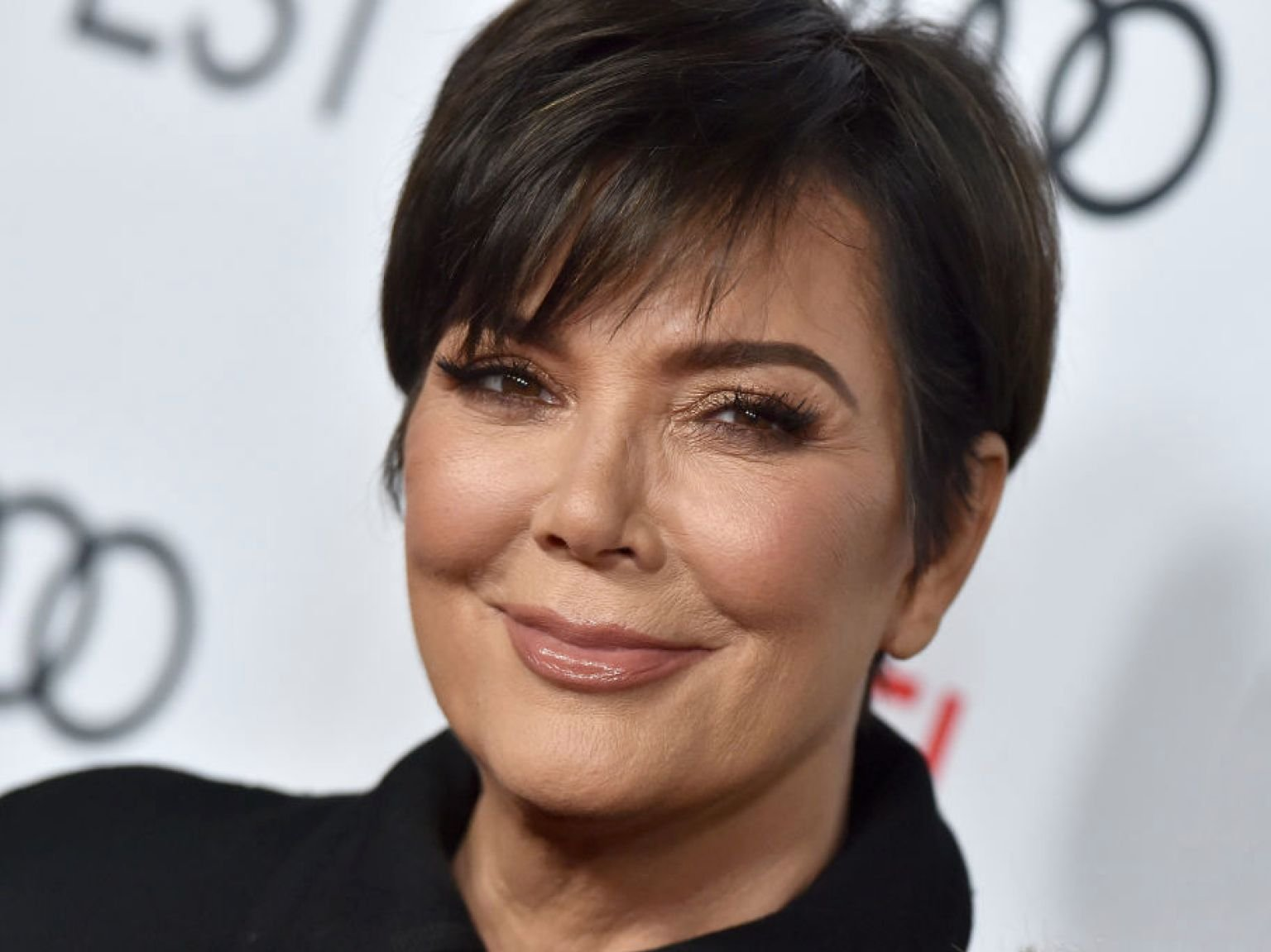 E! Releases Statement On Kardashians Ending KUWTK As Fans Want Kris Jenner To Star In RHOBH