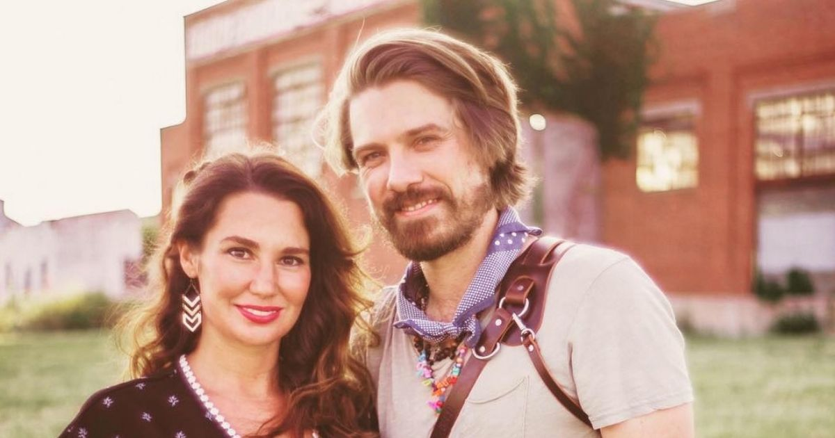 Taylor Hanson and wife Natalie announce they're expecting their seventh child