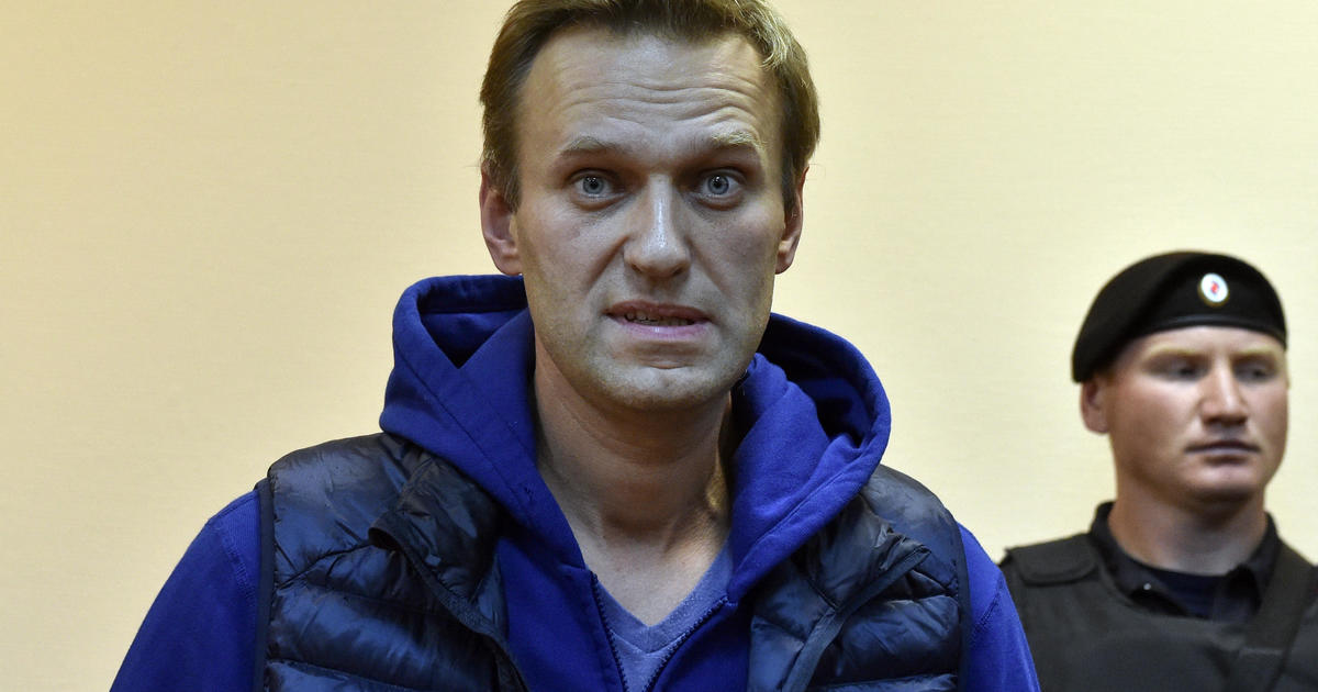 Conflicting reports on Putin critic's recovery after poisoning