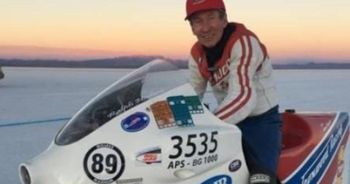 Record-setting motorcycle racer dead after 252 mph crash