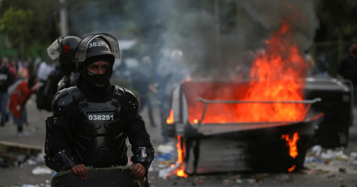 Protests erupt in Colombia after death of man tasered by police