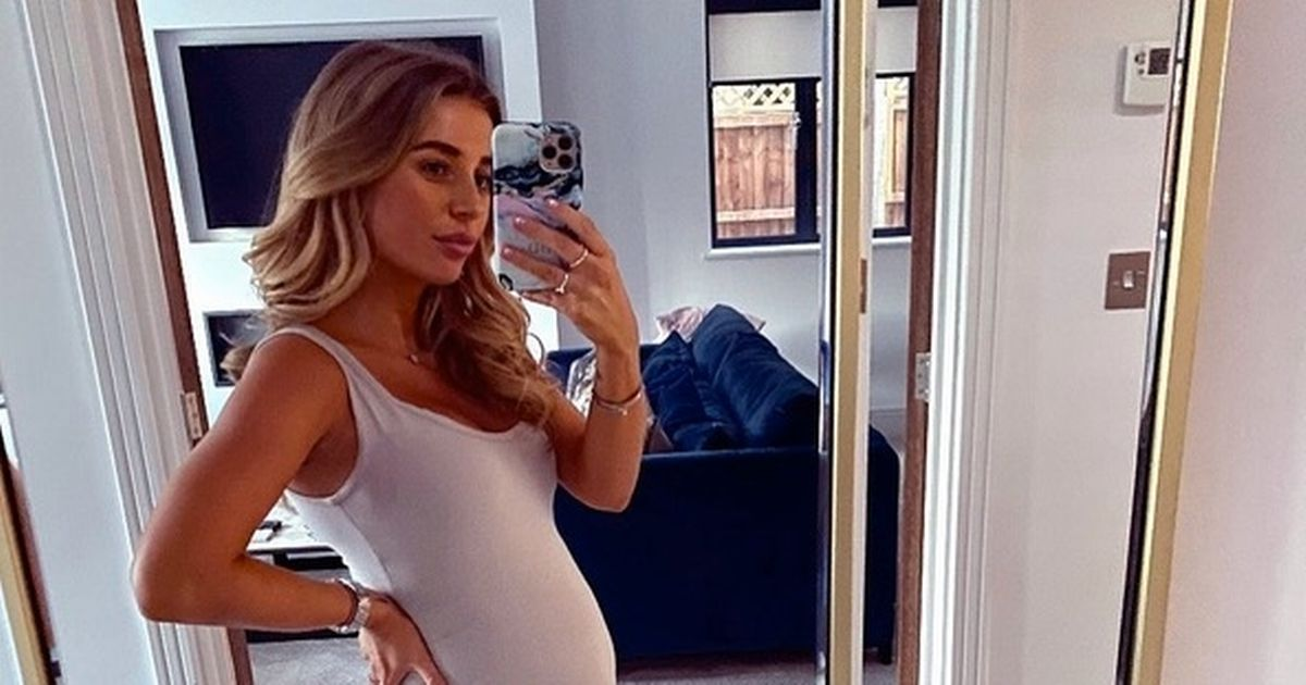 Dani Dyer hits halfway point in pregnancy as boyfriend tries to find out gender