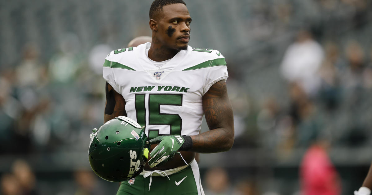 NFL player charged in alleged COVID-19 relief loan scam