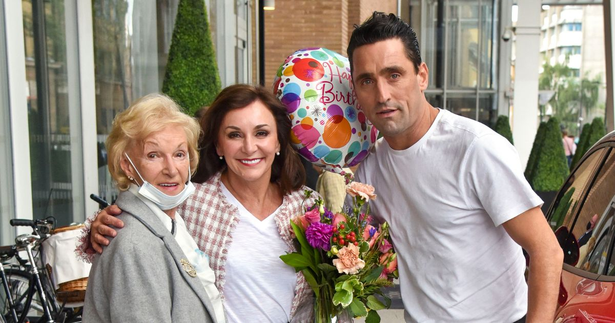 Strictly's Shirley Ballas ditches crutches as she celebrates 60th birthday