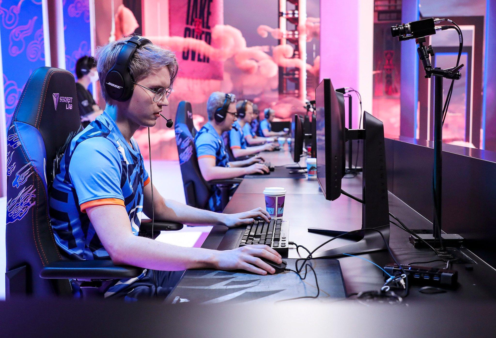 League Of Legends World Championship 2020 Main Group Event Day Six: PSG Talon Versus Rogue