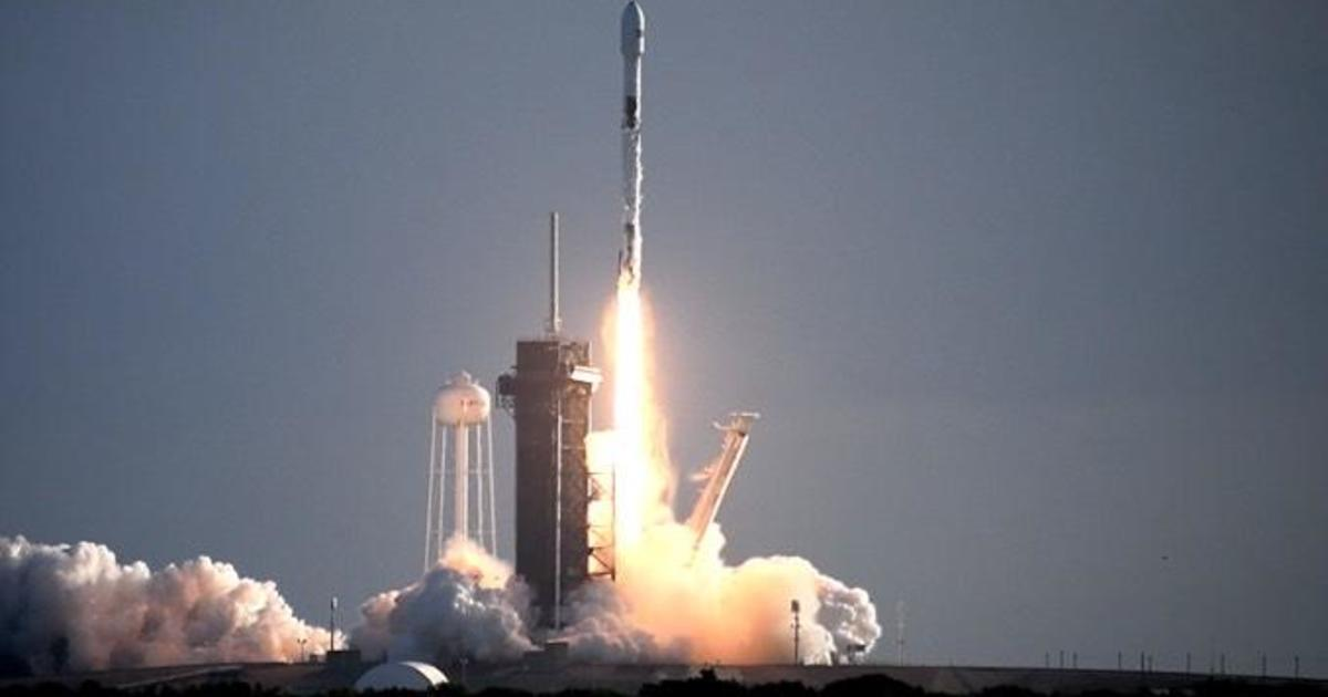 SpaceX launches another 60 Starlink satellites