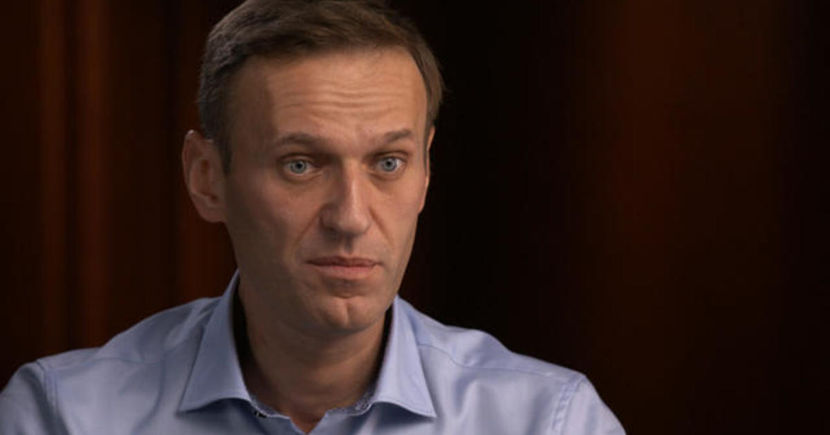 Alexey Navalny vows to return to Russia