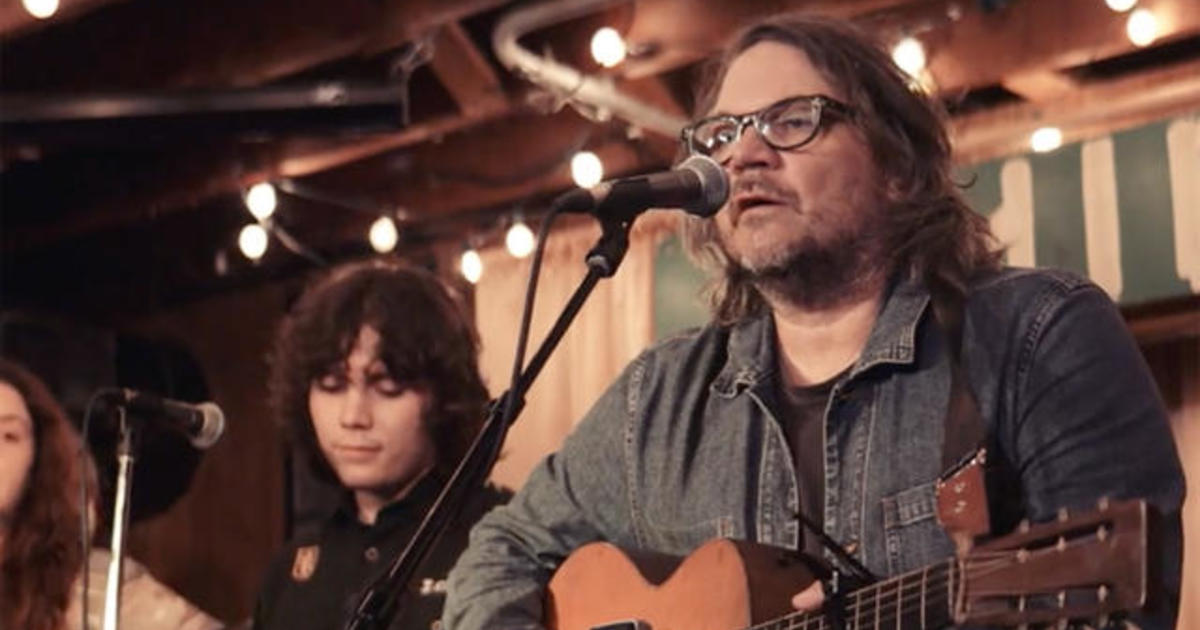 """Saturday Sessions: Jeff Tweedy performs """"A Robin or Wren"""""""