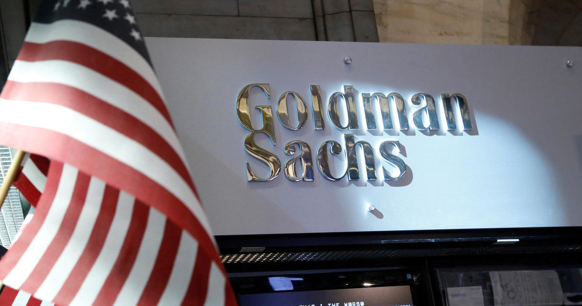 Goldman's new pay plan helps bankers dodge taxes