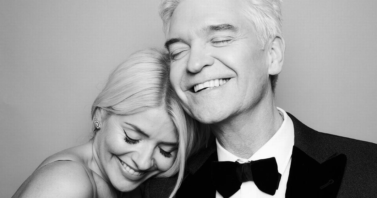 Holly Willoughby and Phillip Schofield lead stars posing for mental health