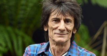 Ronnie Wood slammed for giving caviar to 4-year-old twin daughters