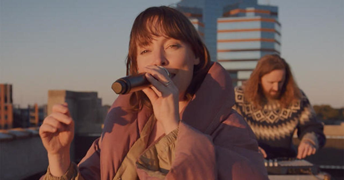 "Saturday Sessions: Sylvan Esso performs ""Ring"""