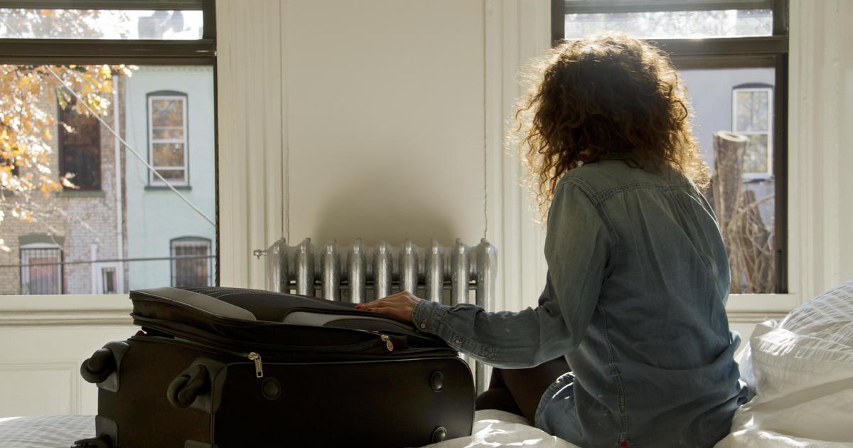 Money-losing Airbnb files to go public