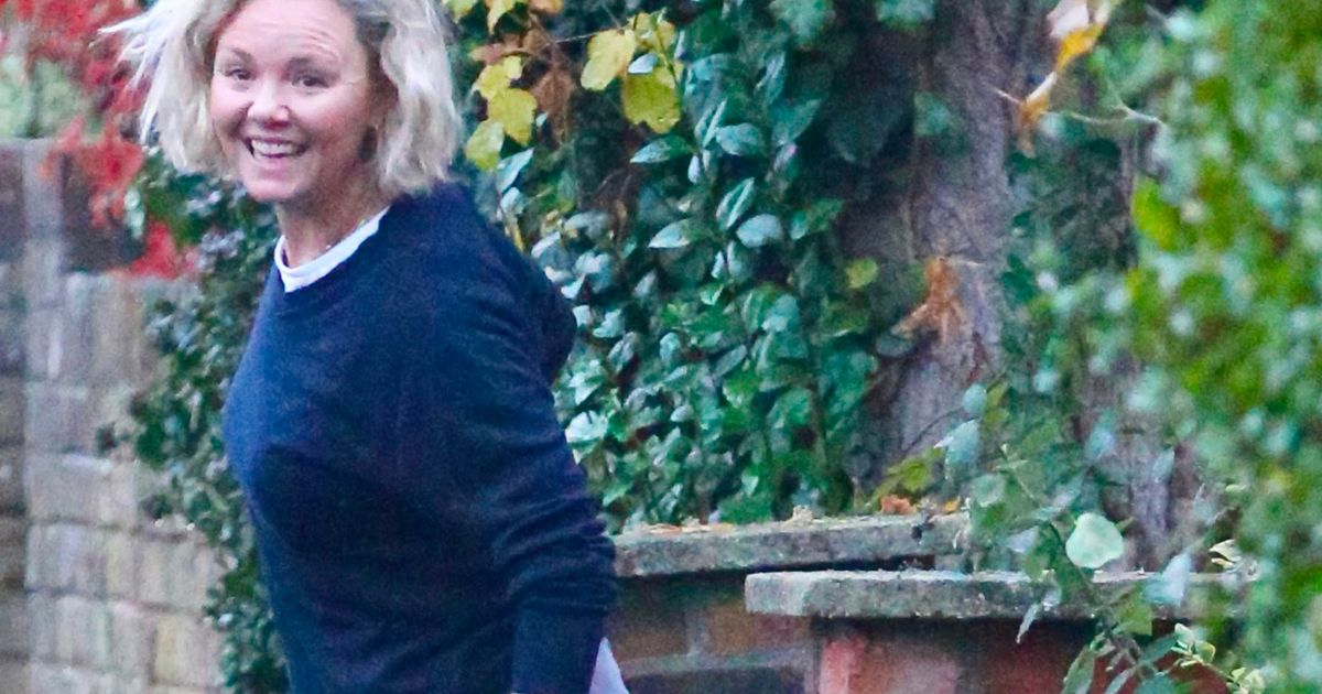 I'm A Celeb's Charlie Brooks lugs suitcase amid rumours she's heading to Wales