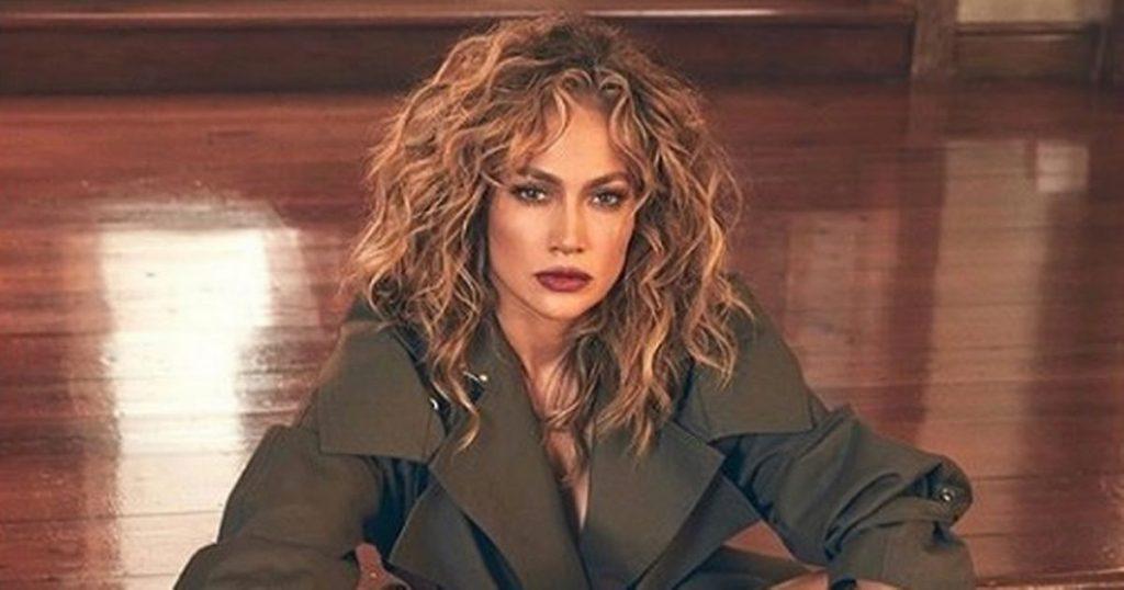 Angel Eyes Actress Jennifer Lopez Singer 32x24 Wall Print