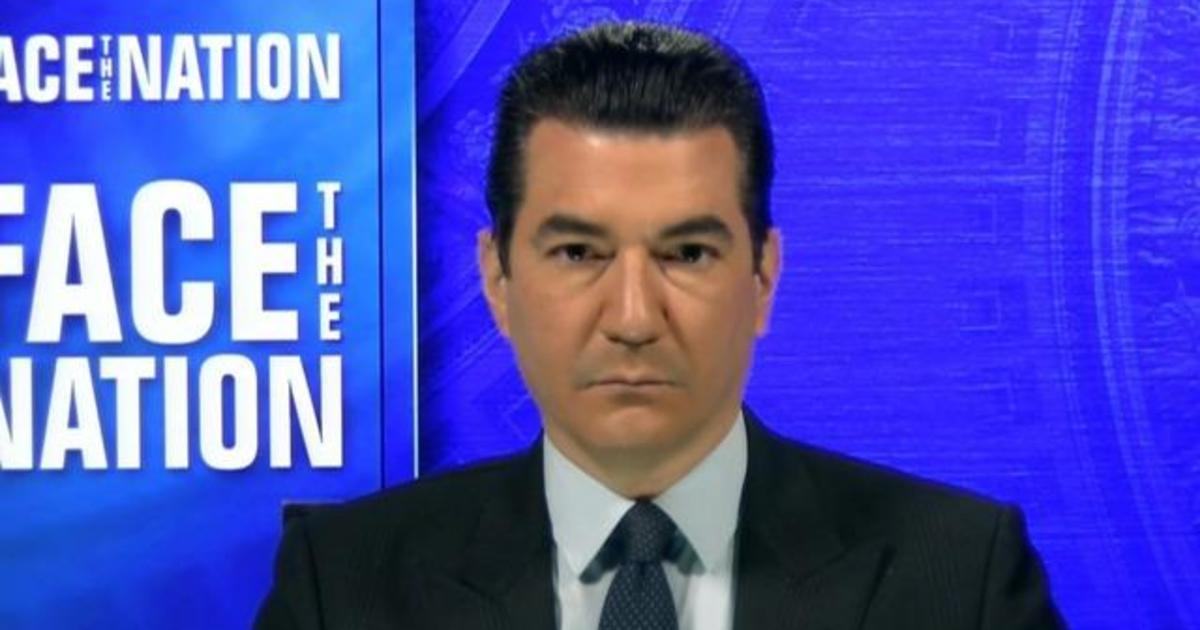 "Gottlieb says Biden to take office at likely ""apex"" of latest coronavirus surge"