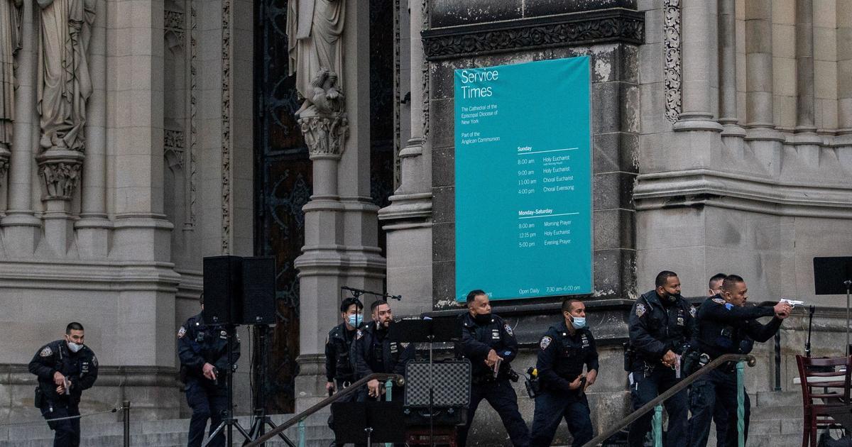 Police fatally shoot gunman at landmark NYC cathedral