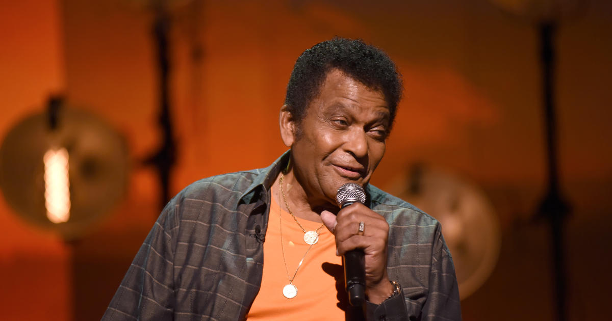 Charley Pride, groundbreaking country music star, dead at 86