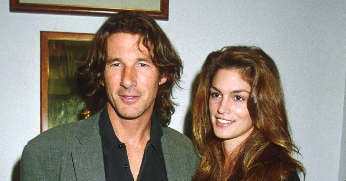 Cindy Crawford and Richard Gere's whirlwind wedding in Vegas with tin foil rings