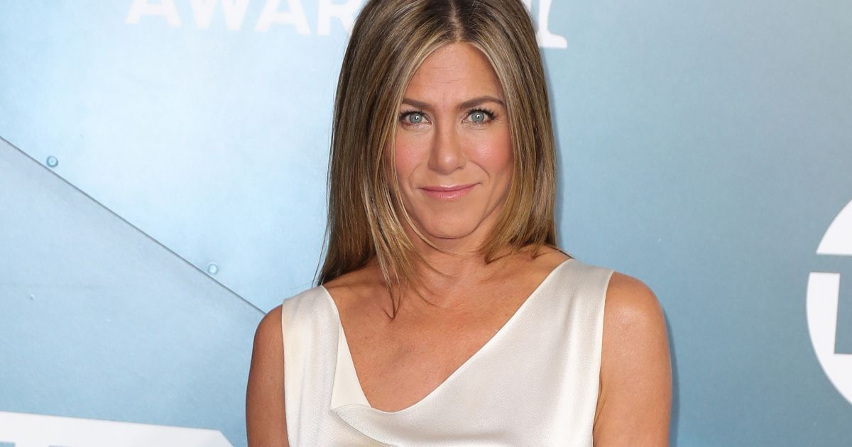 Jennifer Aniston is super hot as she transforms Friends' Rachel into Richard
