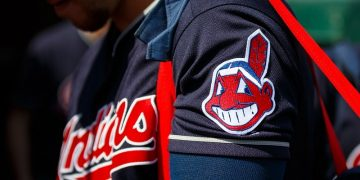 Report: Cleveland to drop Indians name